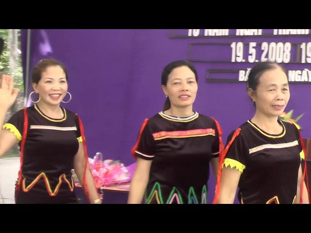 Phụ nữ Bắc Khu xã Minh Châu 10 năm CLB văn nghệ