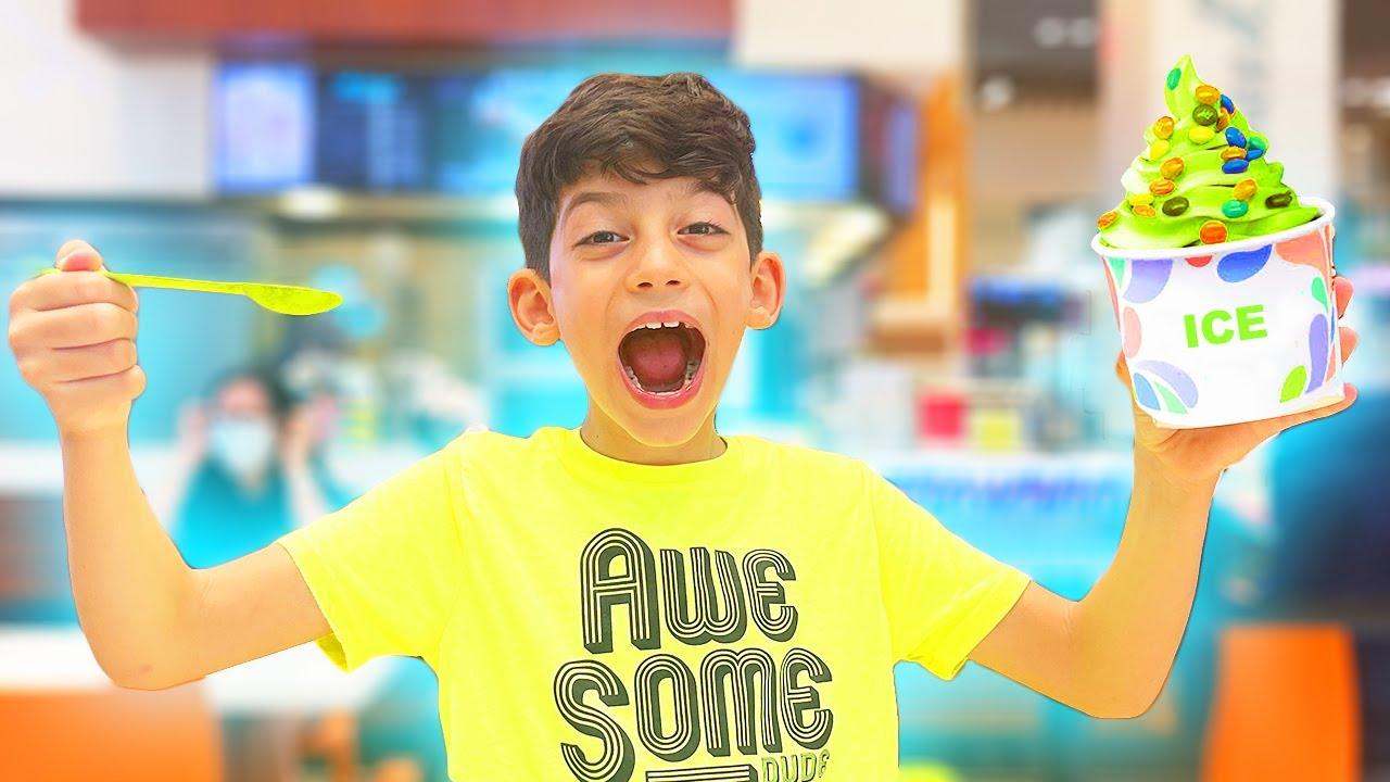 Jason Shopping Visit to Virtual Reality Park themed playground for Children Vlog