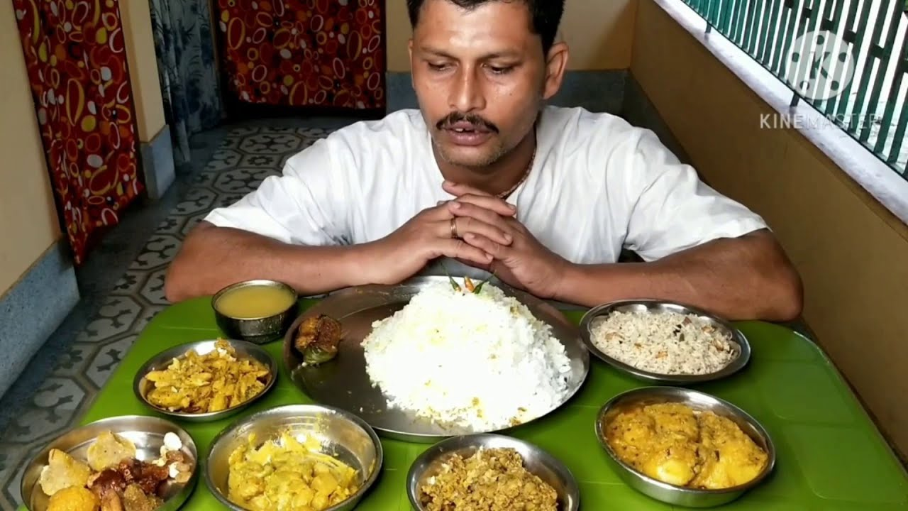 Huge Veg Food Eating Show | Rice & Fried Rice | Mixed Vegetables | Alur Dum | Mocha Ghanta