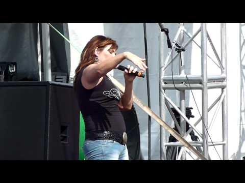 Jo Dee Messina - Lesson In Leavin' - CMA Fest 2010