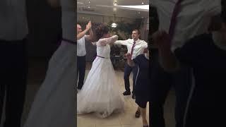 Вот как должны невесты танцевать😉