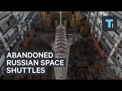 Urban explorers film inside abandoned Russian space shuttles