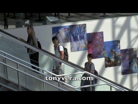 Nash Grier And Cameron Dallas Look Alikes Going Into Tsa At Lax