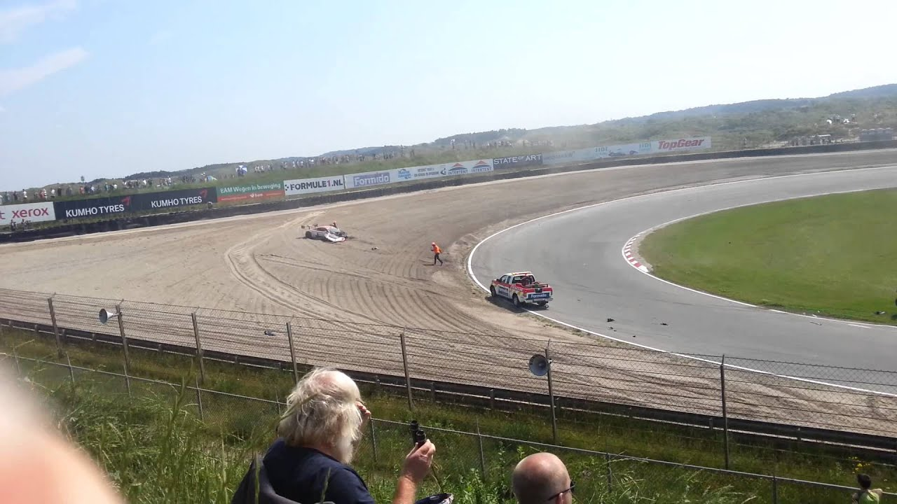 FIA GT SERIES 2013 @ Zandvoort 7/7/2013 - Crash Audi R8 LMS ultra - YouTube