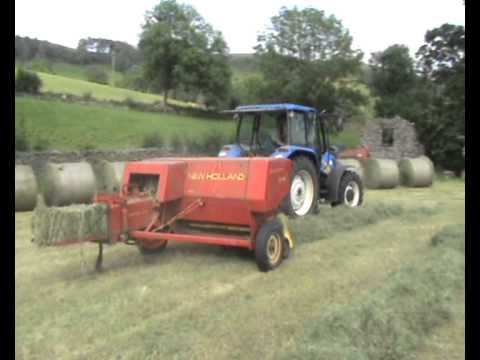 Baling with New Holland 276 with New Holland T5040 - Summer 2011