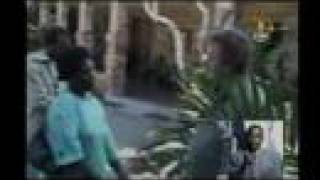 [Channel 4 News] Zimbabwe: White farms invaded    2008.04.07