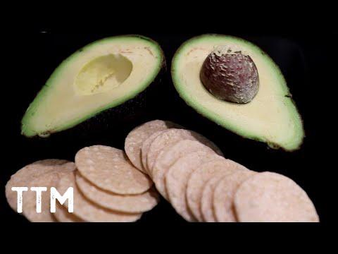 easy-avocado-and-rice-crackers