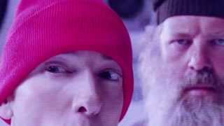 Eminem- Berzerk (Official Video)