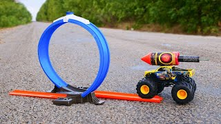 Experiment: XXL Roket Engine for Car vs Loop Track
