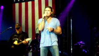 "Billy Ray Cyrus - ""Back To Tennessee"" LIVE at the Hannity Freedom Concert"