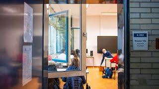 Schulstart in NRW: Lüften und warm anziehen