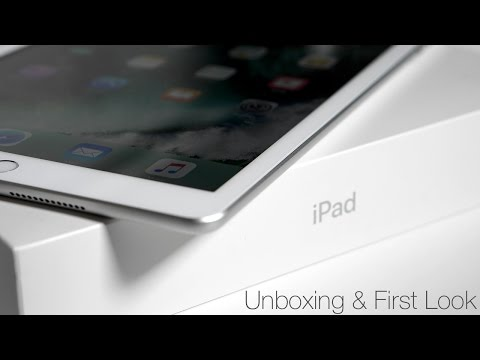 iPad (Early 2017) - Unboxing and First Look