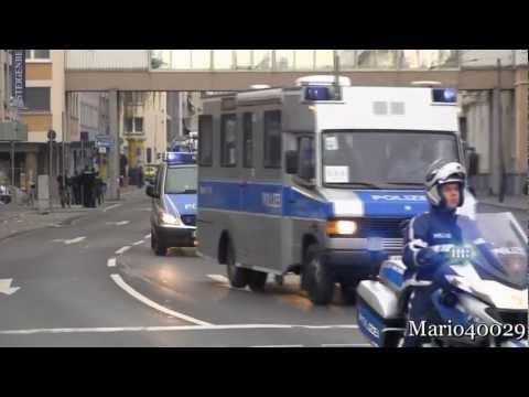 FuStW + SatÜKW +  Befkw + 3x Krad Polizei + Reserve RTW MHD Frankfurt