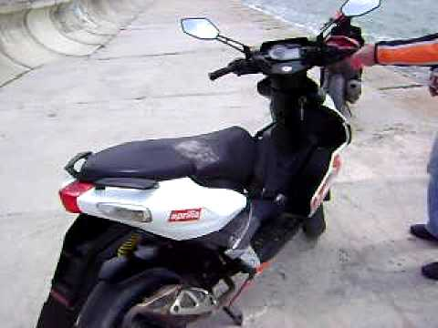 aprilia sr 50 r factory 2007 youtube. Black Bedroom Furniture Sets. Home Design Ideas