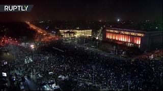 Массовые антиправительственные протесты в Румынии