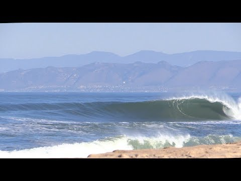 SURFING SUPER FUN Sandbar Raw | California