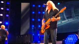 REO Speedwagon - Back on the Road Again (Live - 2010) Moondance Jam...