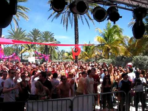 1) Way Out West Soundsystem, Miami WMC 2009 DJ Mag pool party