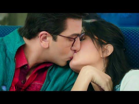 Boy Kiss Girl On Lips 💄 Whatsapp Status Boy Kiss Girl Lipstick Beautiful Kiss WhatsApp Status