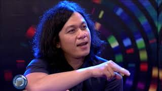 ON-THE-SPOT SONGWRITING: Raimund Marasigan collaborates with Jungee Marcelo
