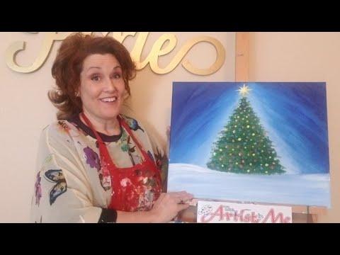 Coalinga Middle school painted the Christmas Tree