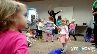 Танцы   в библиотеке!