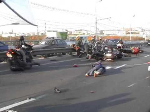 bad motorcycle pileup crash on the freeway youtube