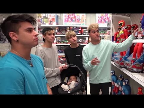"WE LOST OUR BABY BROTHER IN TOYS ""R"" US!"