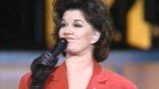 K.T. Oslin - Hold Me (Live 1989)