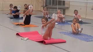 9 Часть.Урок балета для детей. Развитие данных у детей. Первые шаги в хореографии. Растяжка