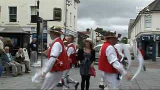 How to Morris Dance (KTVarchive)(Kent County Council video: https://twitter.com/KCCvideo Members of the East Kent Morris Dancing Group have taken time out from their Annual Folk Day ..., 2010-04-23T15:52:14.000Z)