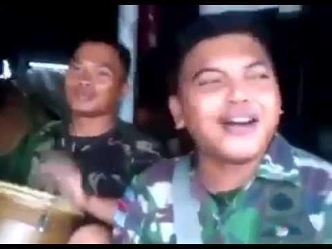 Video Lucu Plesetan Lagu Jawa Oleh Anggota TNI, Dijamin Ngakak