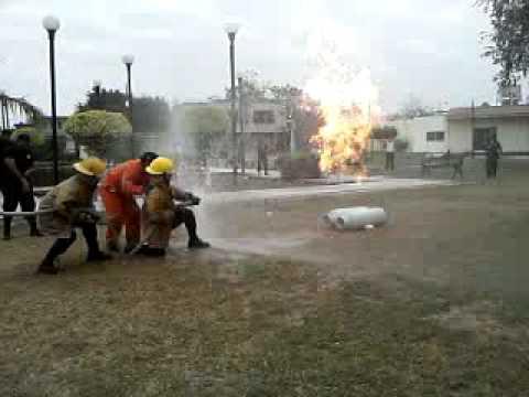 Simulacro de tanque de gas butano en escarcega youtube for Tanque de gas butano