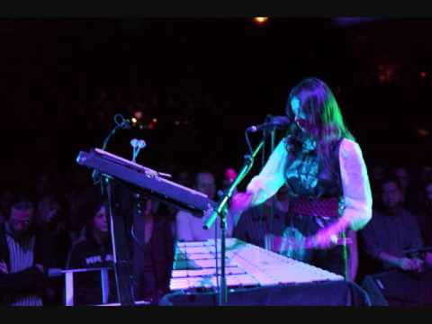 Hope Sandoval - Satellite - Live 2009, London, pt.12
