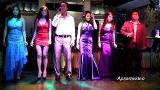 """Vannak, guest singer of  La Lune Restaurant singing """"Tuob Treum"""""""