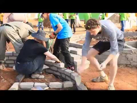 Volunteers Help Build Eco Villages near the Kruger National Park