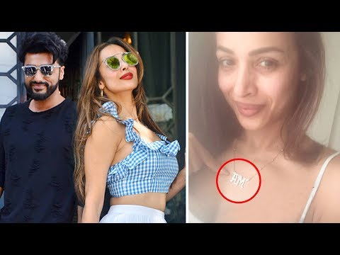 Malaika Arora Wears A SPECIAL Pendant For Arjun Kapoor