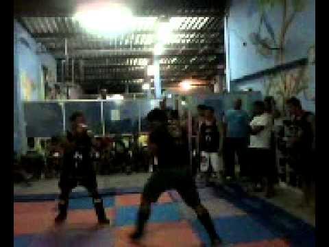 Luta de Igo Vence no muay thai