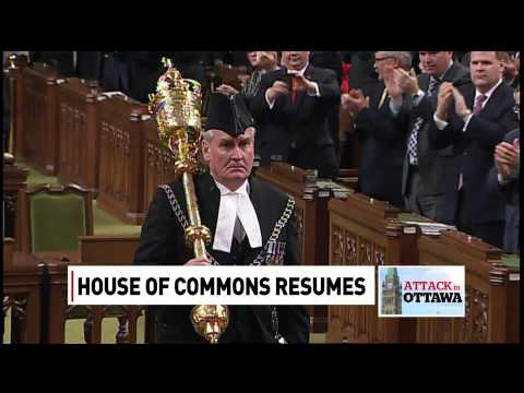 Sergeant-at-Arms Kevin Vickers receives standing ovation