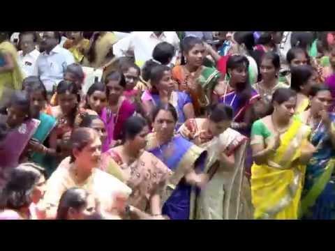 Chittu Chitula Bomma Bathukamma song