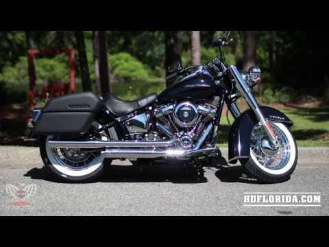 2019~2020 Harley-Davidson Softail Deluxe Vivid Black with Genuine Accessories