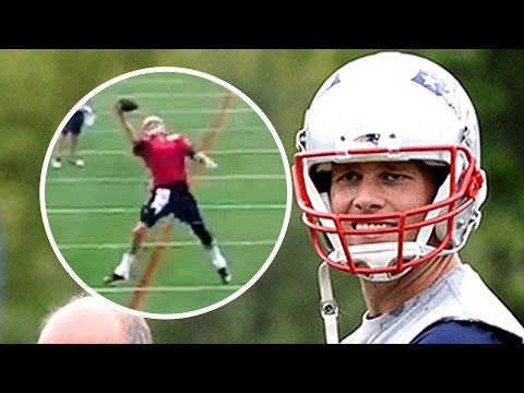 Tom Brady Catches TD Pass One-Handed from Julian Edelman