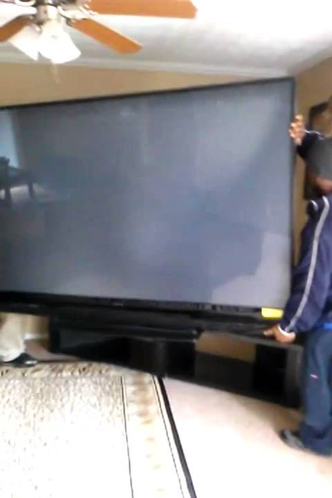 92 inch tv gettin moved - YouTube