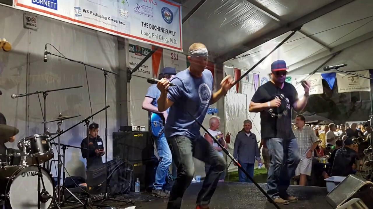 Tijuana Dogs In Concert