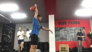 #тренировкигиревиков: рывок гири 28 кг. с махом - 10 минут - 152 подъема