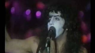"Kiss -  Tomorrow and Tonight  ""Video"""