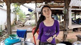 สาวลาวข้าวแรมฟืนเมืองสิงพ่อมานั่งคุมเลยนะ Lao cute girl in Hot Tofu Muang Sing