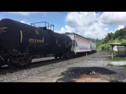 NS Mixed Freight in Oakdale Tennessee