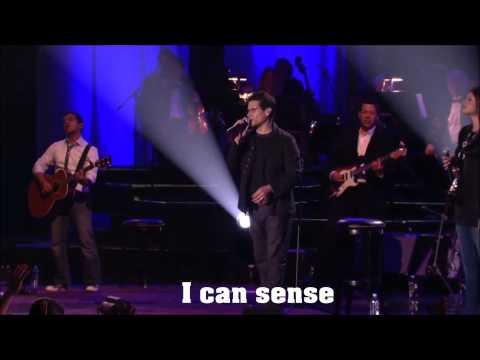 Tu Estas Aqui - Jesus Adrian Romero feat. Marcela Gandara (English Subtitles)