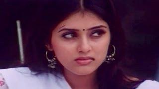 tholi-prema-movie-keerthi-reddy-searching-for-pawan-kalyan